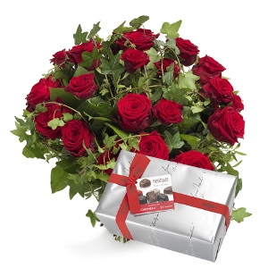 Roses bouquet with chocolates