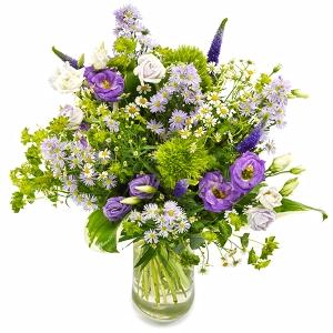 Veldboeket in paars, lila, wit en groen