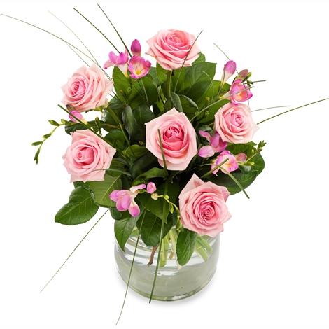 pretty in pink pretty in pink bestellen und liefern ber regionsflorist. Black Bedroom Furniture Sets. Home Design Ideas