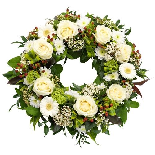 Klassiek wit rouwkrans